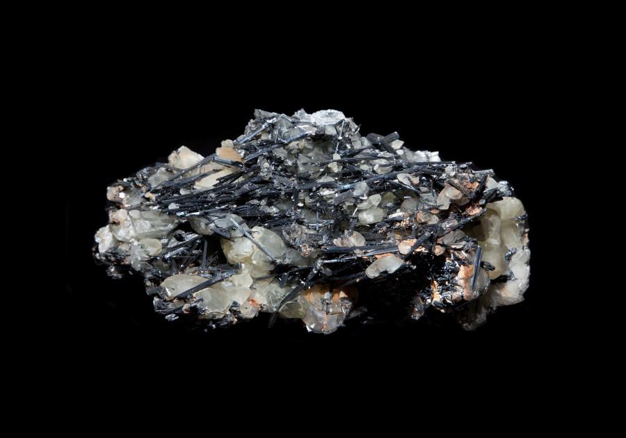 Stibinite2.1 H11cm W23cm D12cm £1200