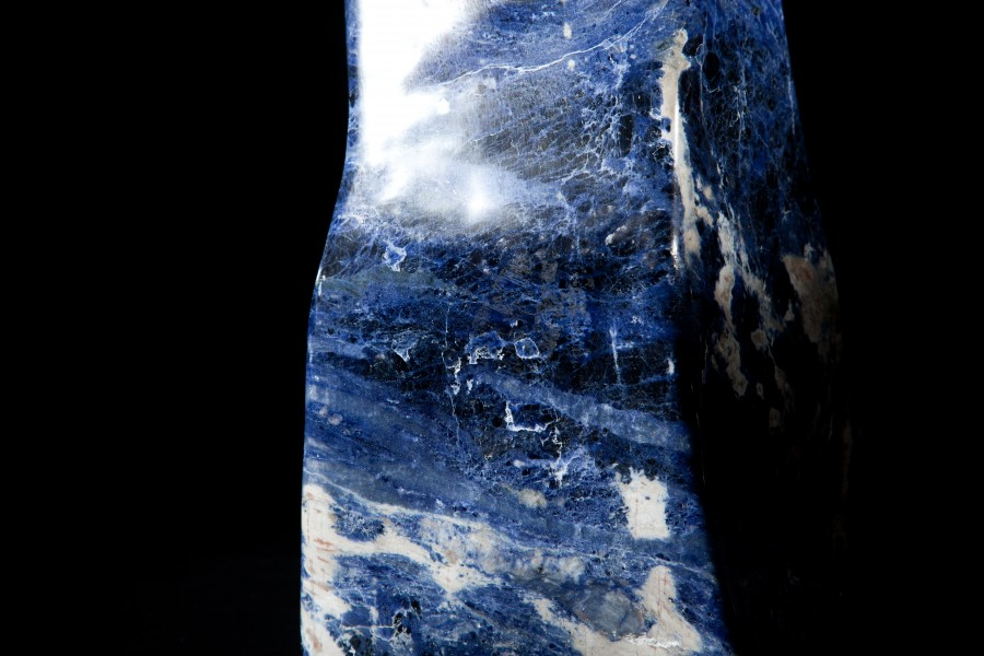 Sodalite2 H 63cm W 18cm D 18cm 32kg £ 3,800
