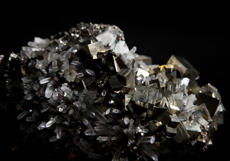 2-2-pyrite-quartz