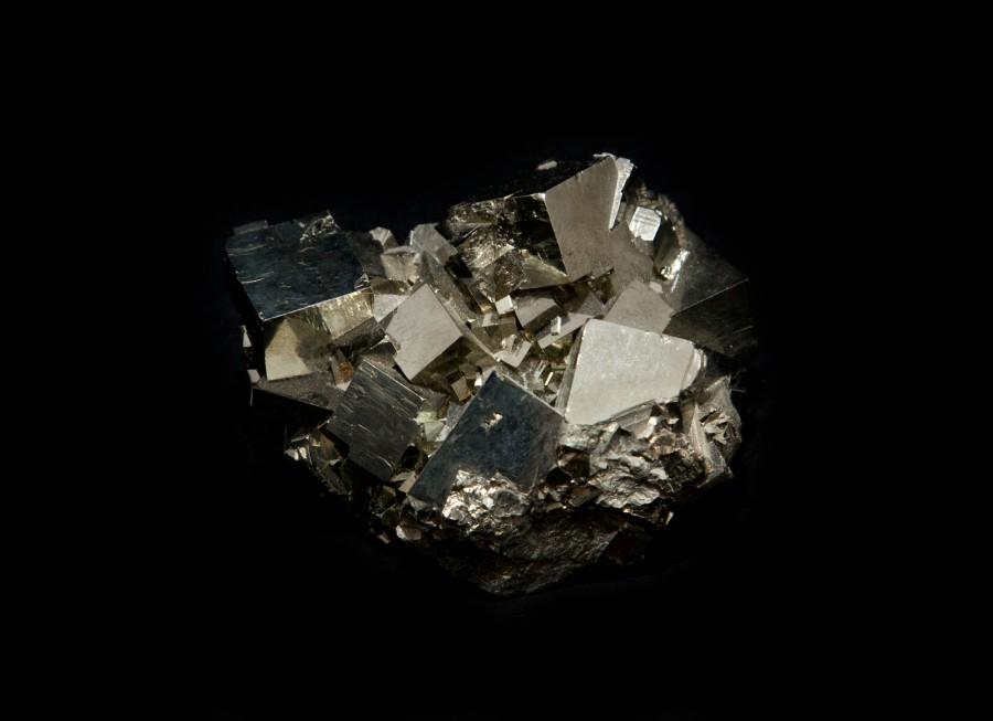 3-1-pyrite-cluster