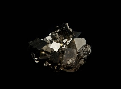 3-2-pyrite-cluster