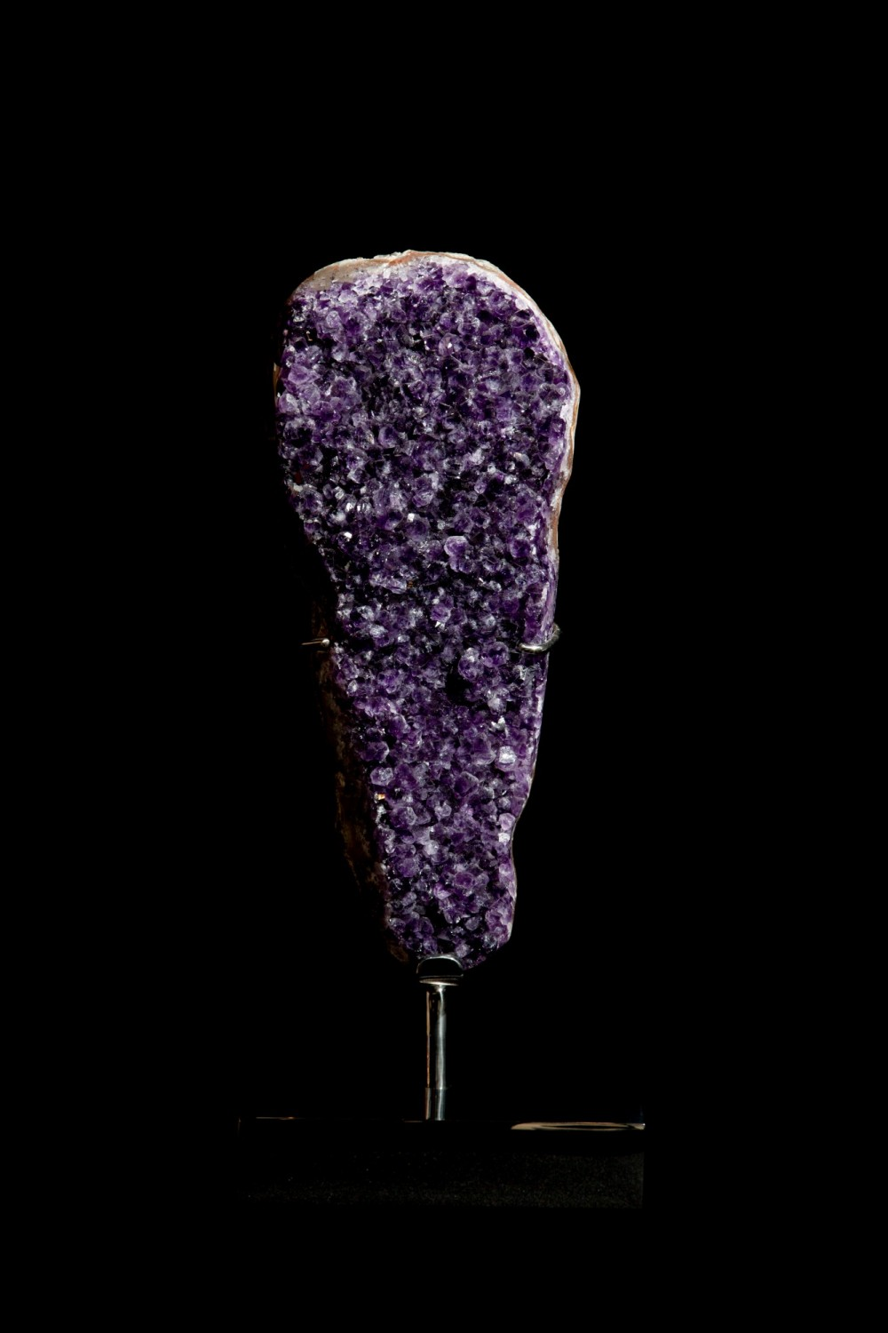 29. Amethyst on a stand 1
