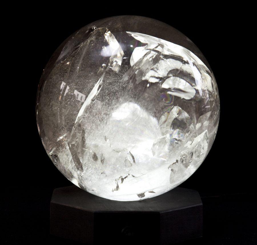 12 Smokey Quartz Sphere Di28cm .1