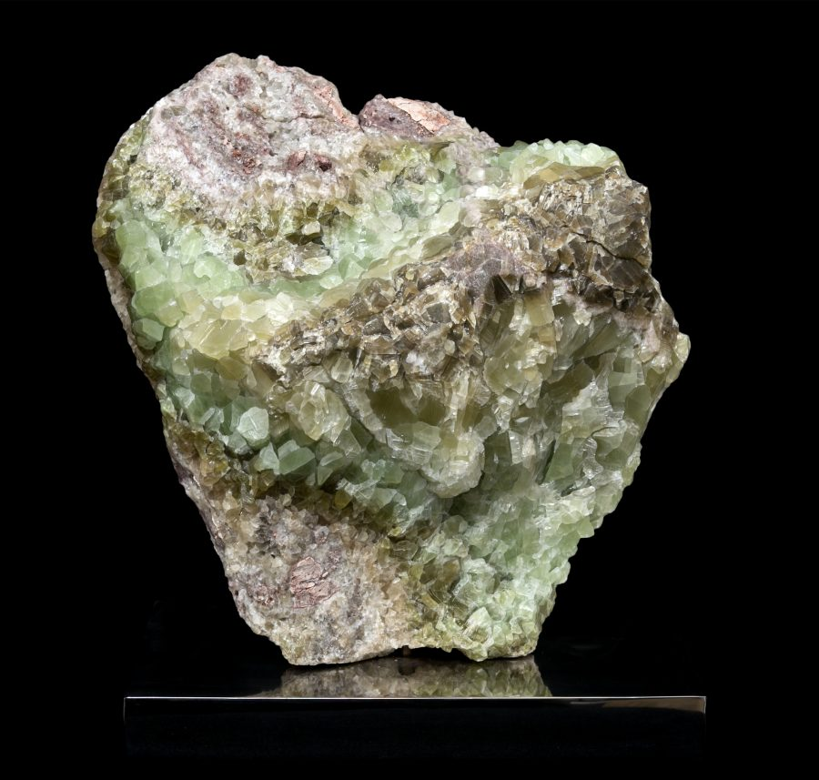 Green Calcite on stand 1 H46 W42 D19 £3,700