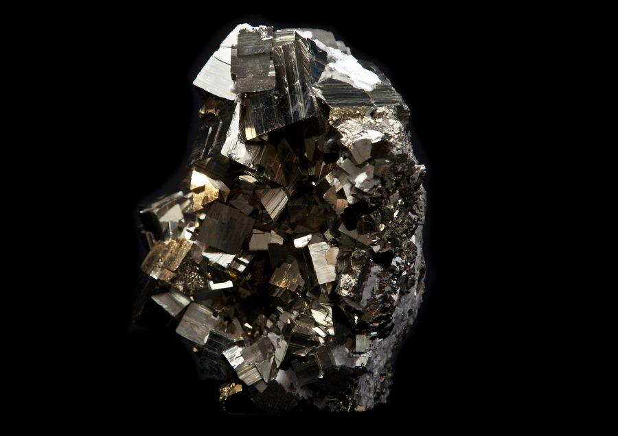 12.4 Pyrite cluster1 H22cm W30cm D16cm