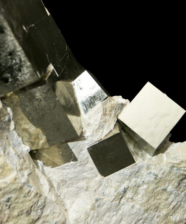 2.Pyrite Cube Cluster4 H25 W20 D8 £5,500
