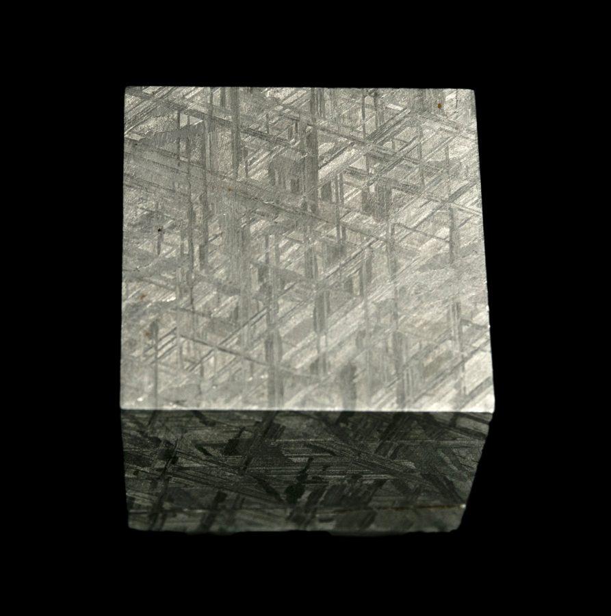5.2Meteorite Cube 6.2Muonionalusta H5 W5 D5cms £6,400